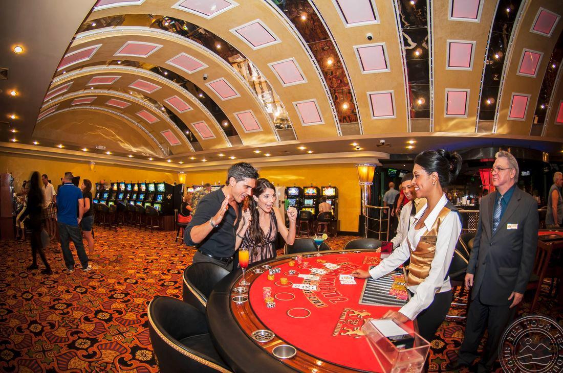 играть в казино пунта кана lang ru